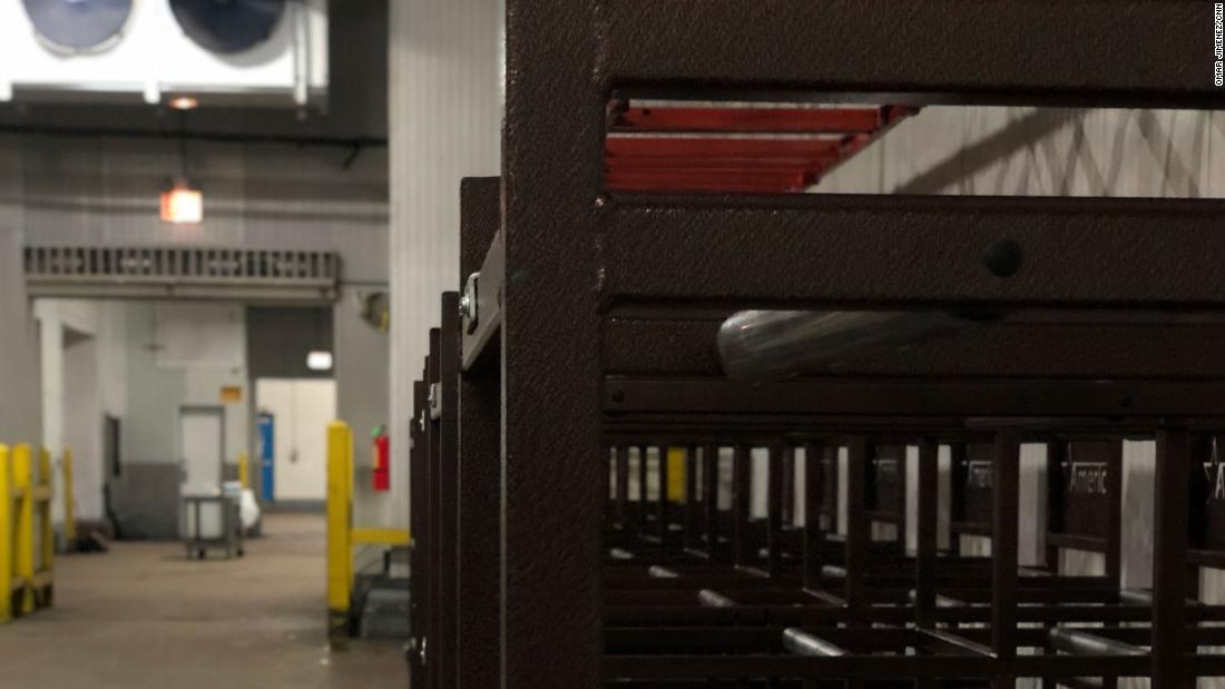 În interiorul depozitului frigorific din Chicago pentru cadavre