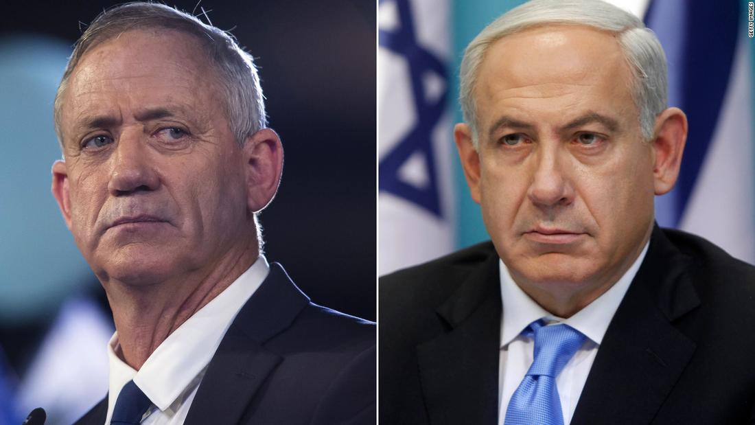 Într-o aparentă victorie pentru Netanyahu, rivalul său Gantz renunță la aliați și se îndreaptă spre unitate
