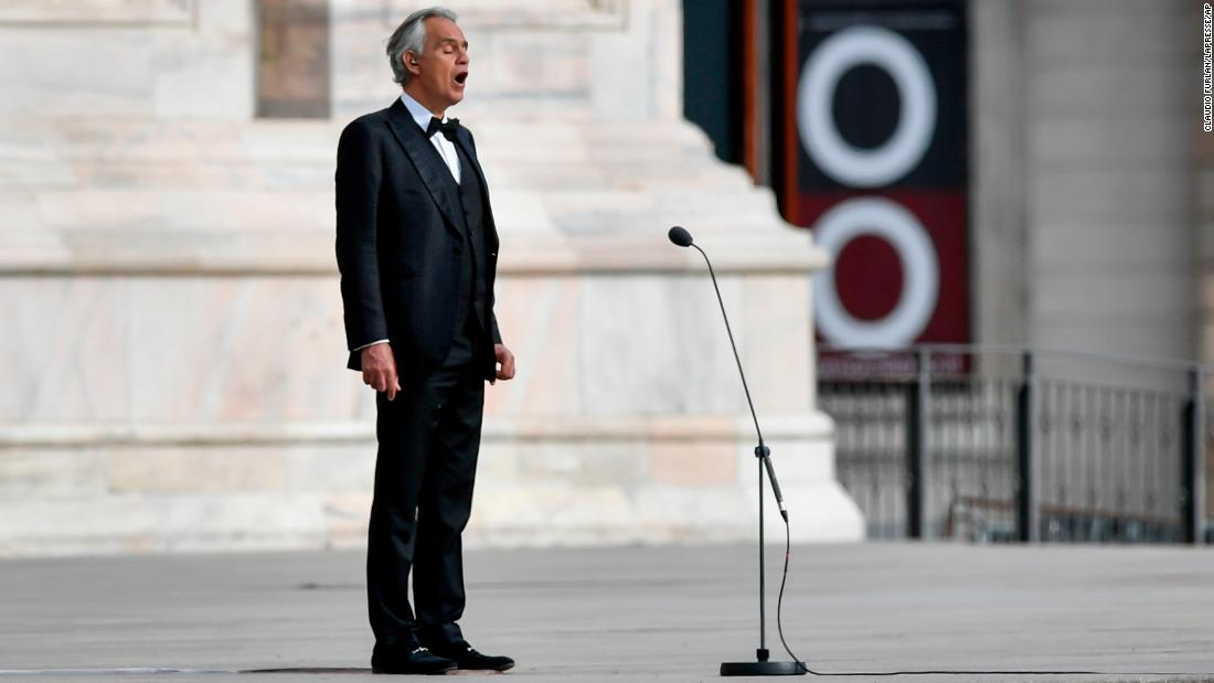 Andrea Bocelli cântă într-un Duomo di Milano pustiu