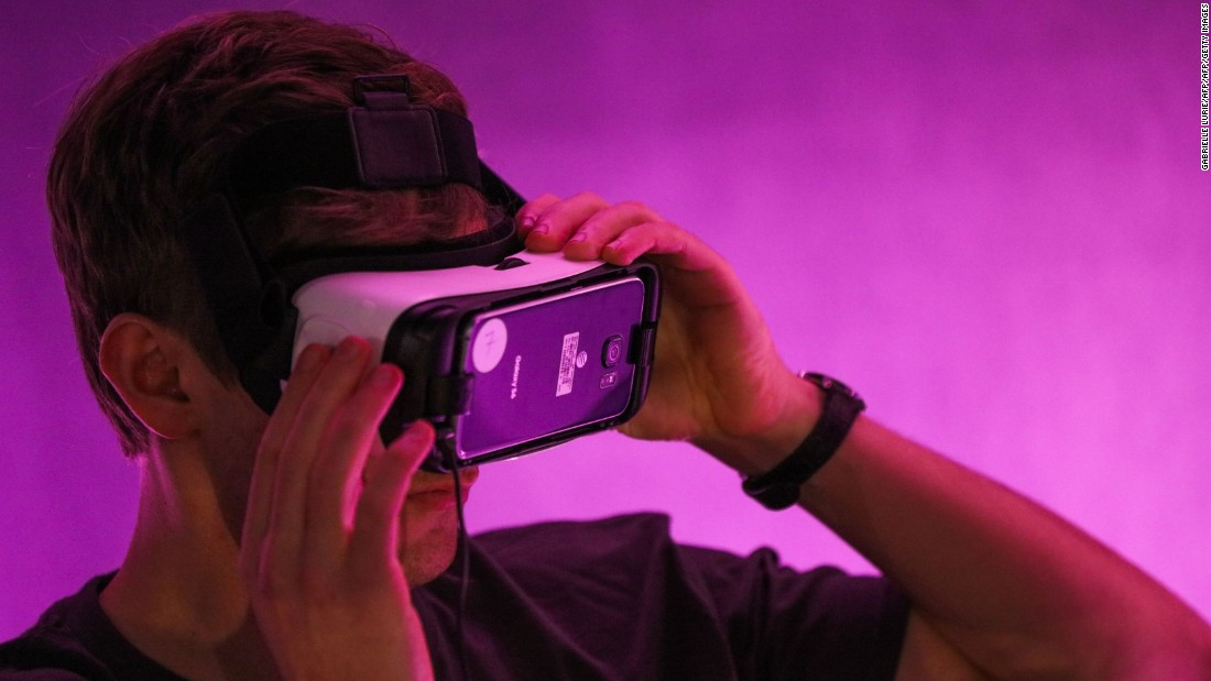 Ce ar trebui să știe părinții despre echipamentele VR care doresc copiii