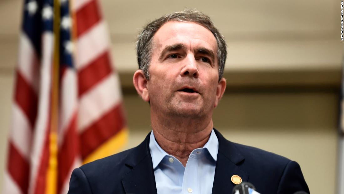 Guvernatorul din Virginia face Ziua alegerilor o vacanță și prelungește votarea anticipată