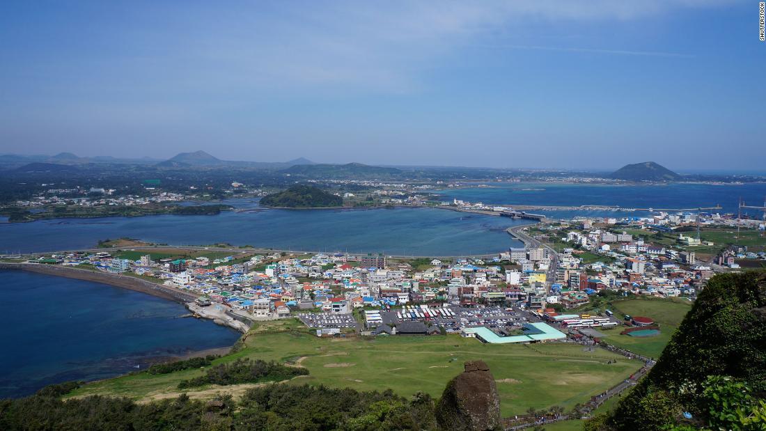 Insula Jeju din Coreea de Sud urmărește doi turiști care au vizitat în timp ce au simptome de coronavirus