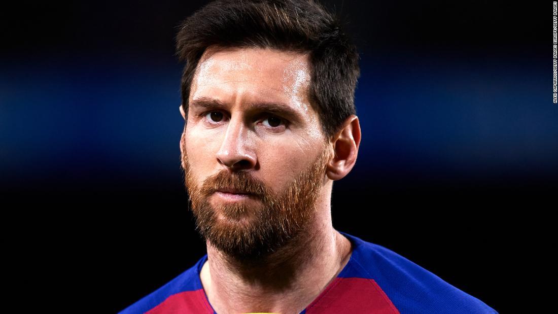 Lionel Messi trudește că a plătit cauțiunea lui Ronaldinho. Anchor își cere scuze, spunând că a fost o glumă