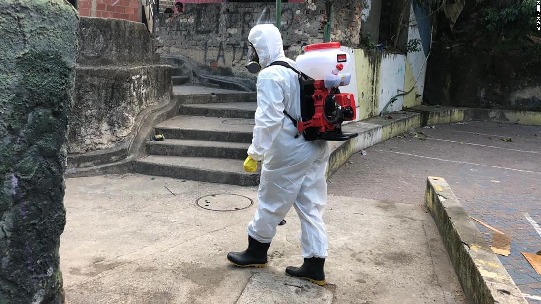 Locuitor al favelei braziliene care a văzut un coronavirus venind