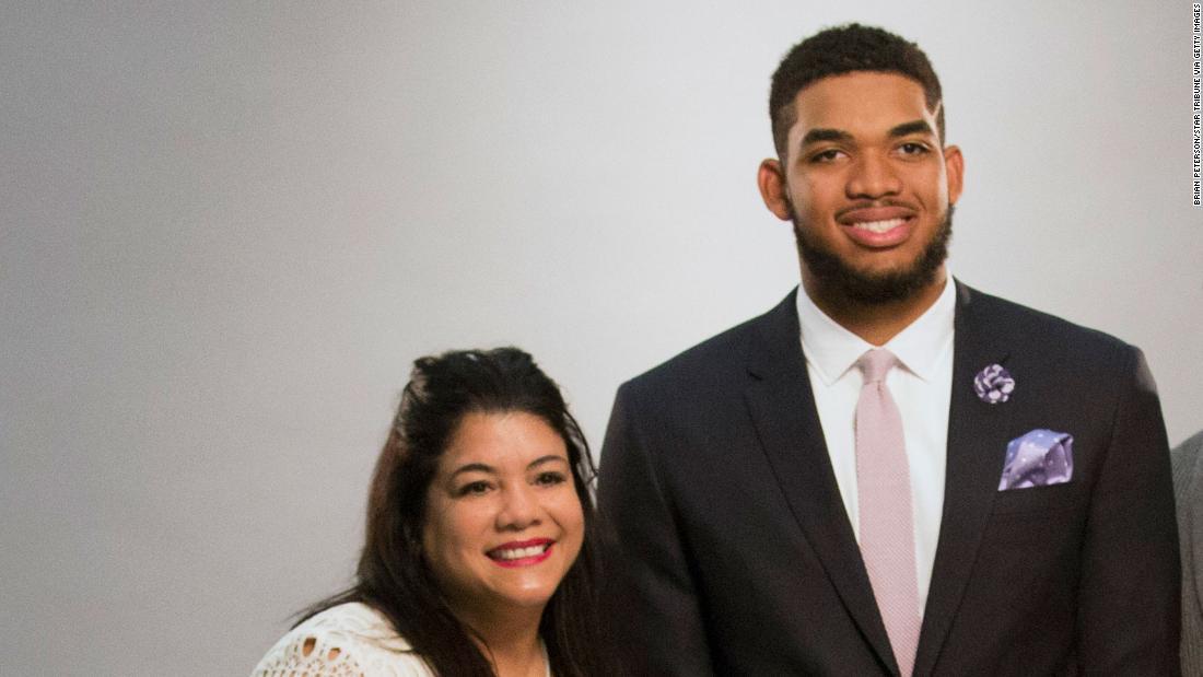 Mama jucătorului NBA, Karl-Anthony Towns, Jacqueline Towns, moare de coronavirus