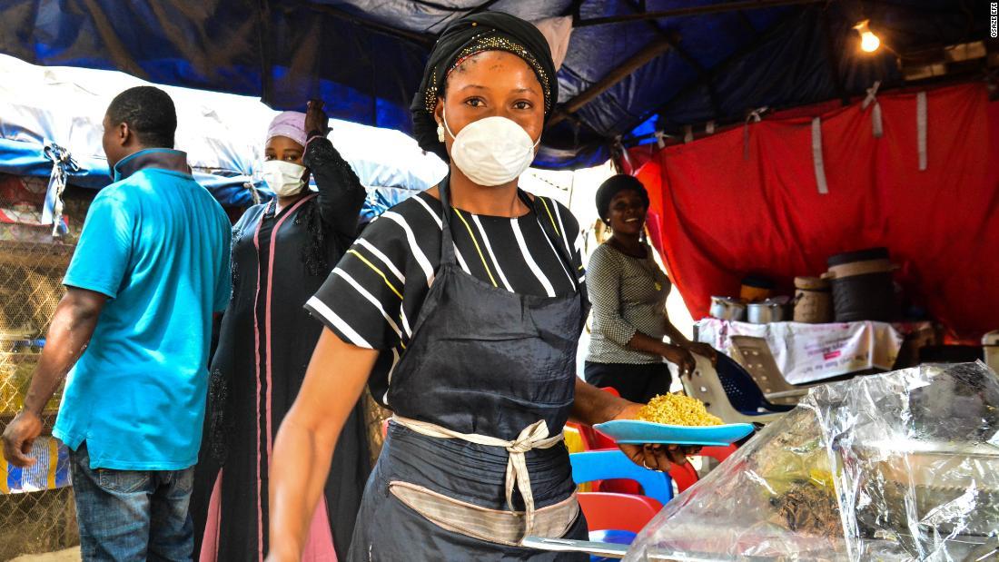 Nigeria: Muncitorii informali se confruntă cu alegeri dificile pe măsură ce se închide cel mai mare megalopol din Africa