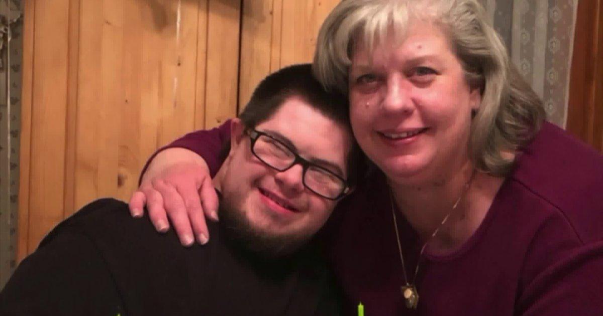 Omul cu sindrom Down moare de COVID-19 la o săptămână după mamă