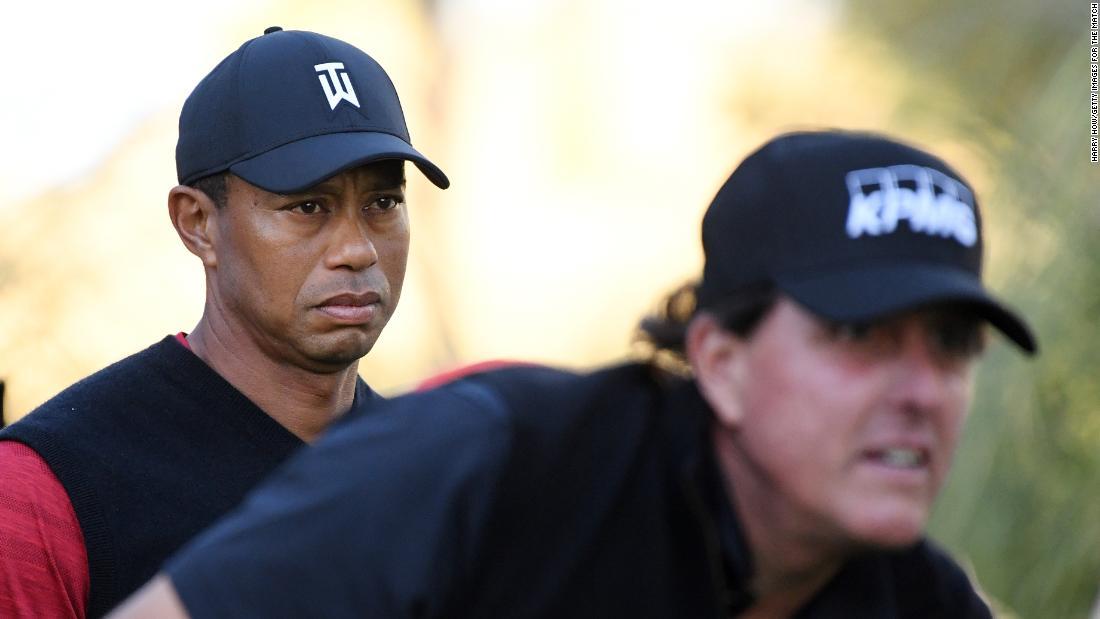 """Phil Mickelson """"lucrează la"""" răzbunare cu Tiger Woods"""