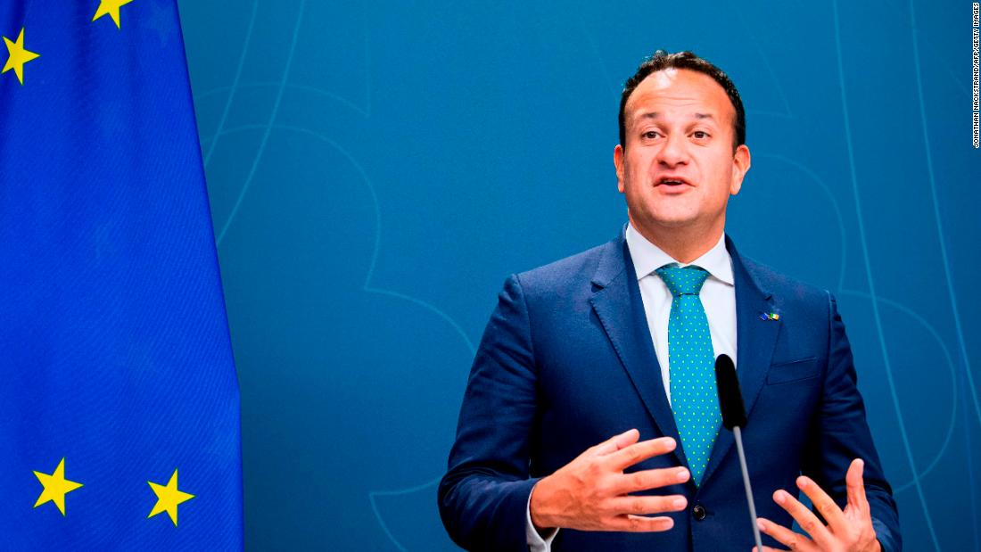 Premierul irlandez Leo Varadkar va începe să lucreze ca medic în timpul pandemiei