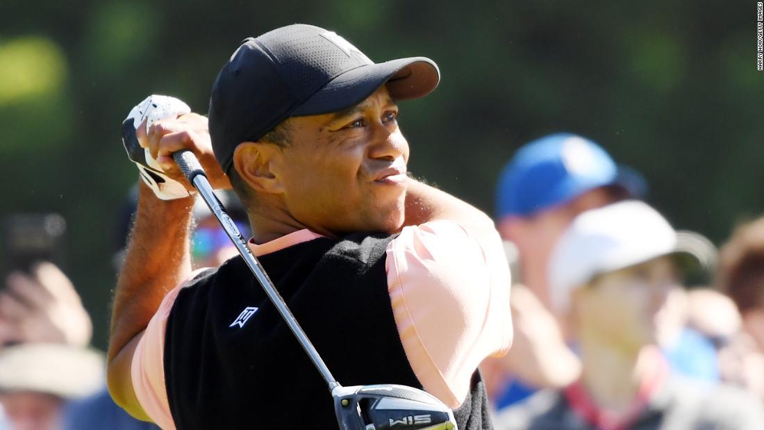 "Tiger Woods lovește putnul supranatural ""Kobe Bryant"""