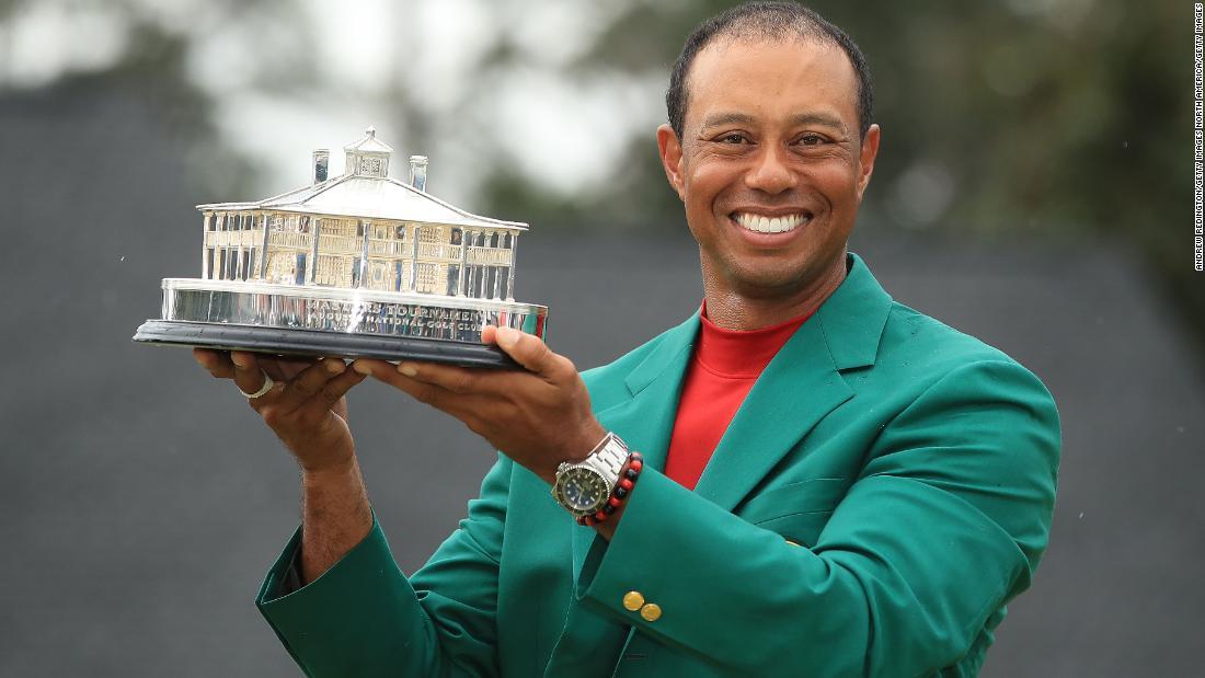 Tiger Woods pentru a servi fajitas și sushi la Masters Masters Dinner