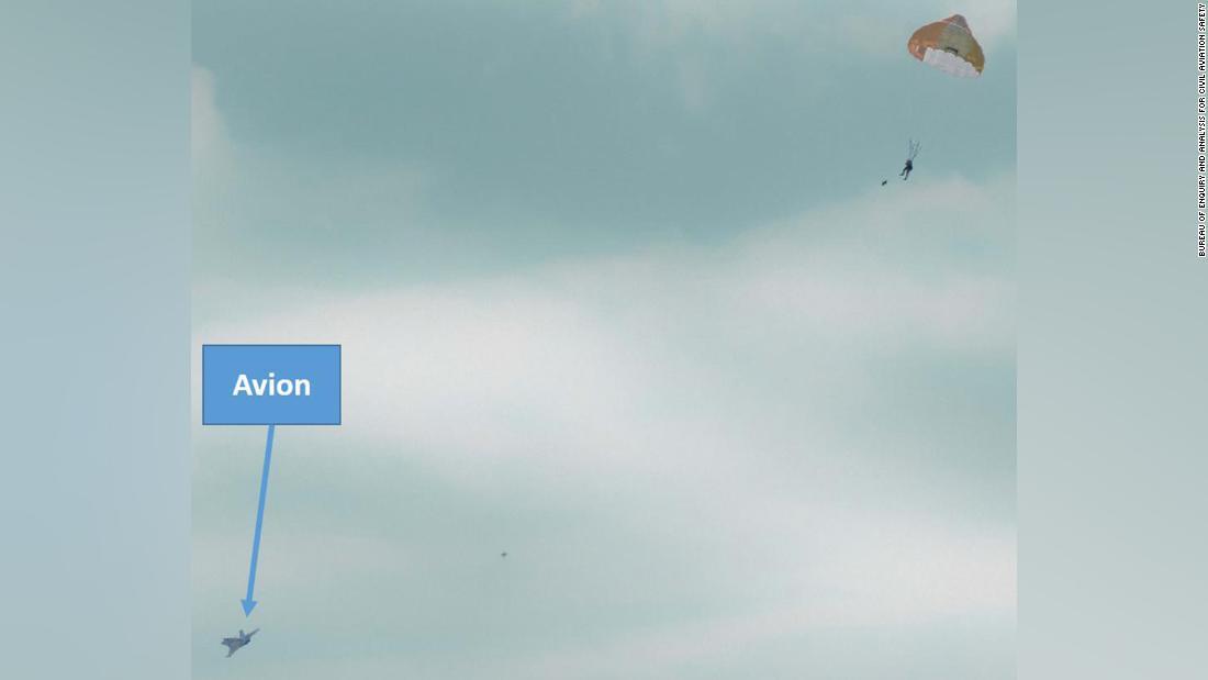 Un francez în vârstă de 64 de ani a scos din zbor un avion de vânătoare