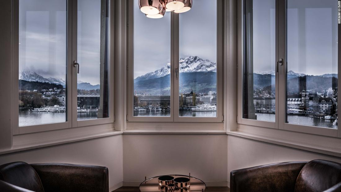 Un hotel elvețian în apartament, lansează pachetul pentru oaspeți Covid-19