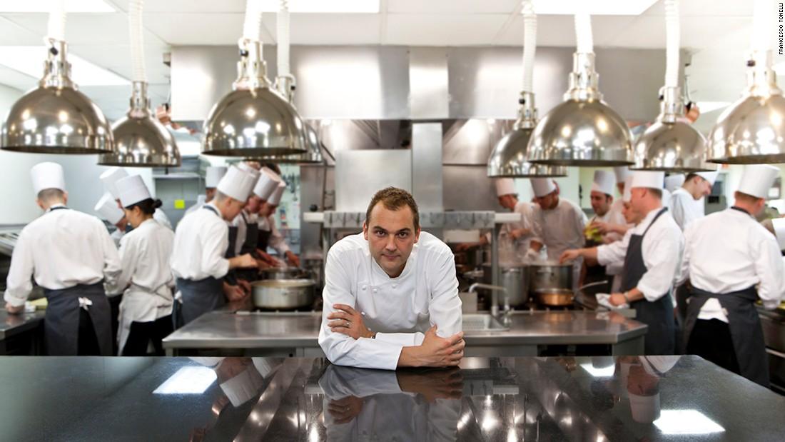 Un restaurant, numit odată cel mai bun din lume, se redeschide pentru a hrăni primii respondenți
