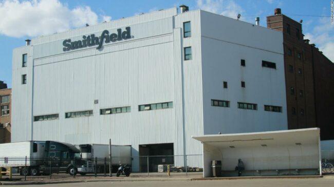 Una dintre cele mai mari instalații de procesare a cărnii de porc din Statele Unite se închide până la o nouă notificare