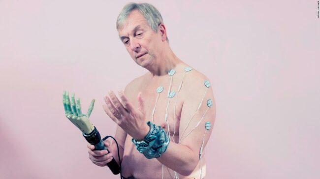 Transhumanism: cyborgii și biohackerii redefinesc idealurile de frumusețe