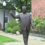 Înlăturarea statuii fostului primar segregatist din Dearborn