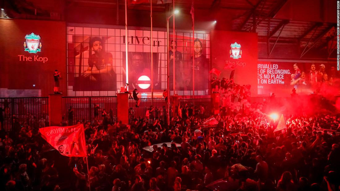 Șeful Liverpool, Jurgen Klopp, îndeamnă fanii să nu se întâlnească pentru a sărbători