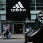 Adidas spune că cel puțin 30% din noile locuri de muncă din SUA vor fi deținute de Negri sau Latinx