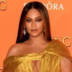 """Beyoncé îndeamnă fanii să rămână """"concentrați"""" în lupta pentru justiție pentru George Floyd"""