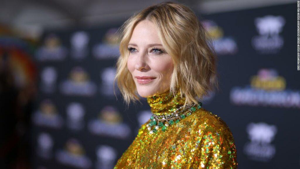 Cate Blanchett și-a tăiat capul cu o ferăstrău în timp ce încuie