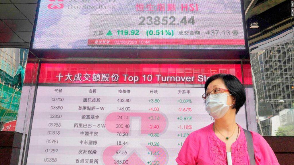 Companiile chineze care se confruntă cu declin în SUA ar putea căuta refugiu în Hong Kong