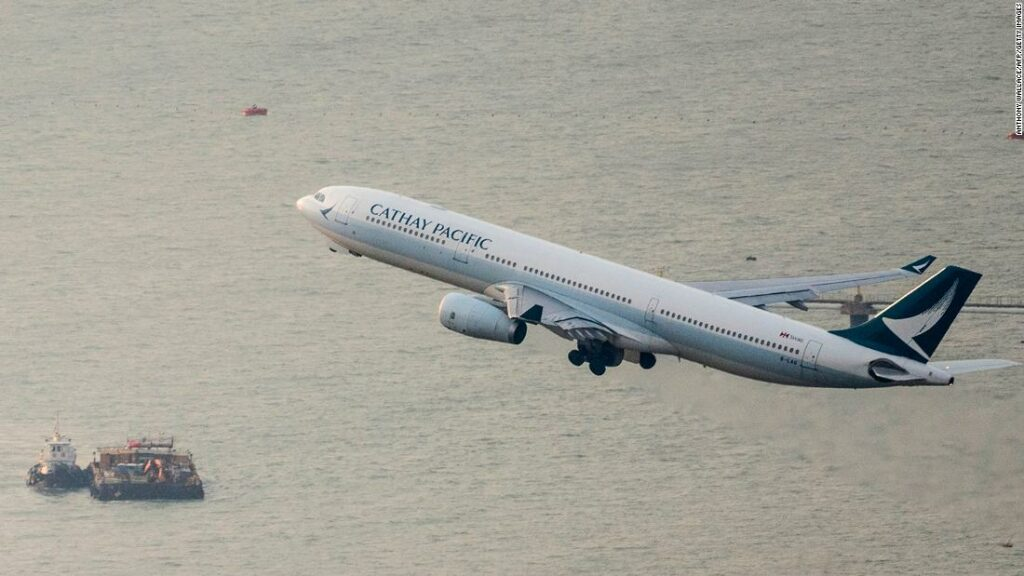 Hong Kong achiziționează participații la Cathay Pacific ca parte a salvării de 5 miliarde de dolari