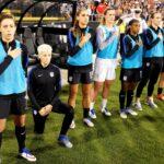 Interzicerea îngenunchiată a fotbalului american ar putea fi abrogată