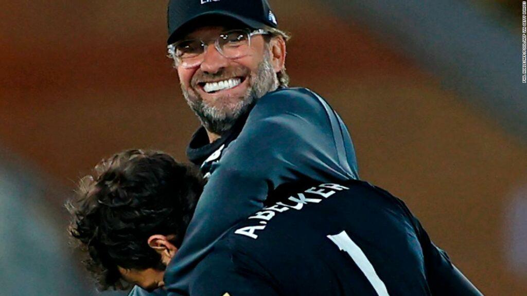 Liverpool câștigă Premier League engleză pentru prima dată în istoria clubului