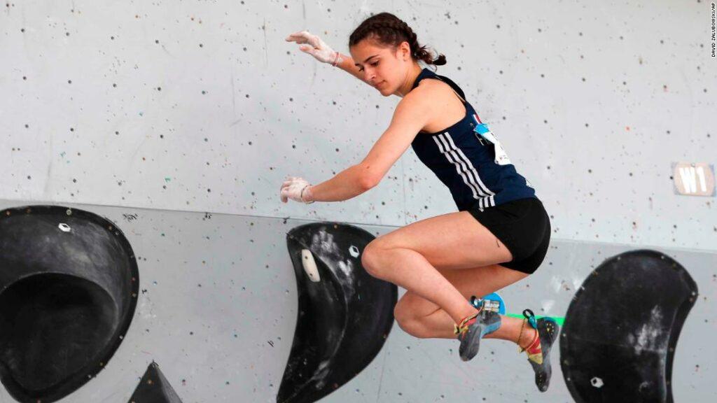 Luce Douady: alpinist francez, în vârstă de 16 ani, moare după toamnă