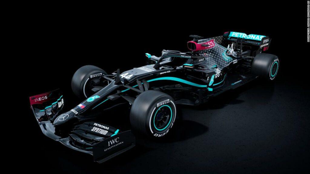 Mercedes va concura cu mașini negre pentru 2020 împotriva rasismului