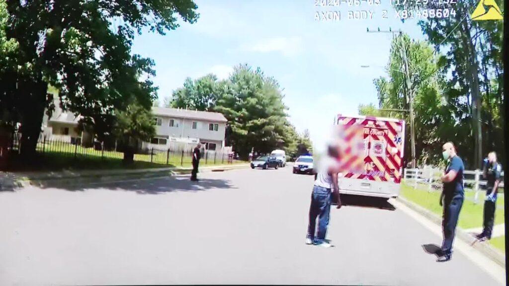 Ofițerul de poliție al județului Fairfax se confruntă cu acuzații de agresiune și baterie pentru acuzarea și arestarea unui bărbat de culoare