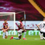 Premier League: jucătorii Aston Villa și Sheffield United și arbitrul îngenuncheează înainte de începerea primului meci
