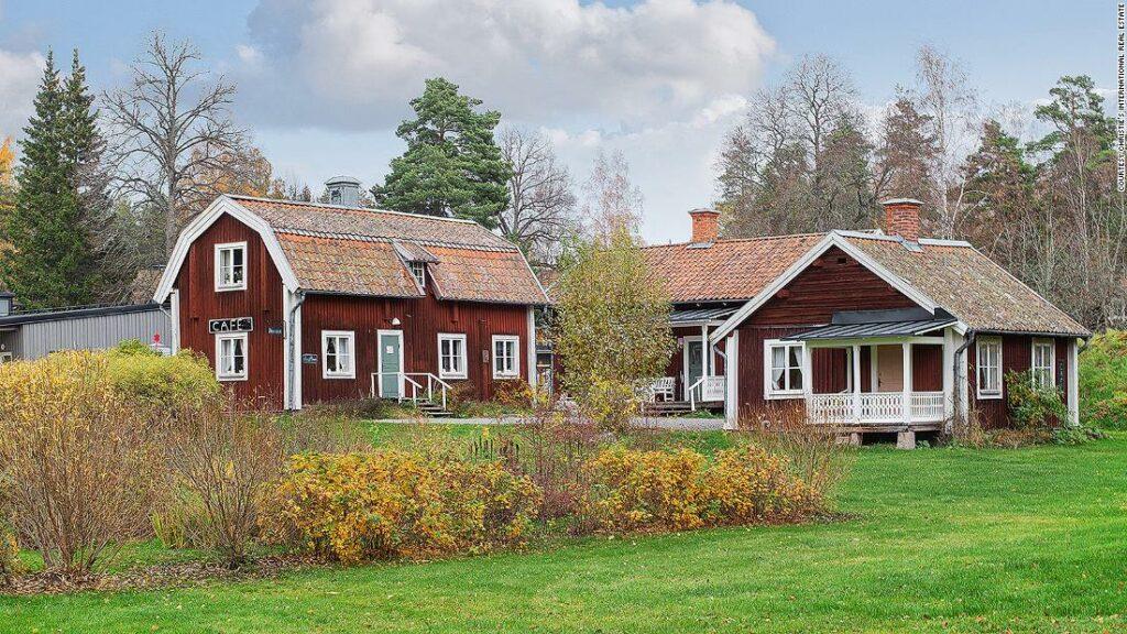 Sat balnear suedez de vânzare pentru 7 milioane de dolari