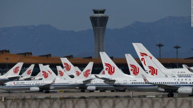 Sute de zboruri de la Beijing au fost anulate după reapariția virusului