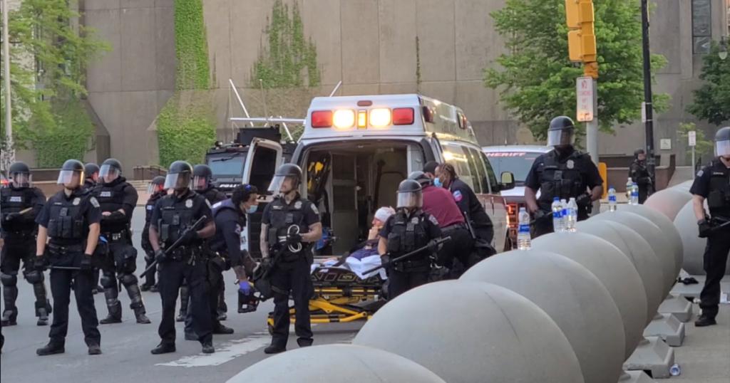 Toți ofițerii echipei de intervenție în situații de urgență din Poliția Buffalo demisionează din rolurile echipei