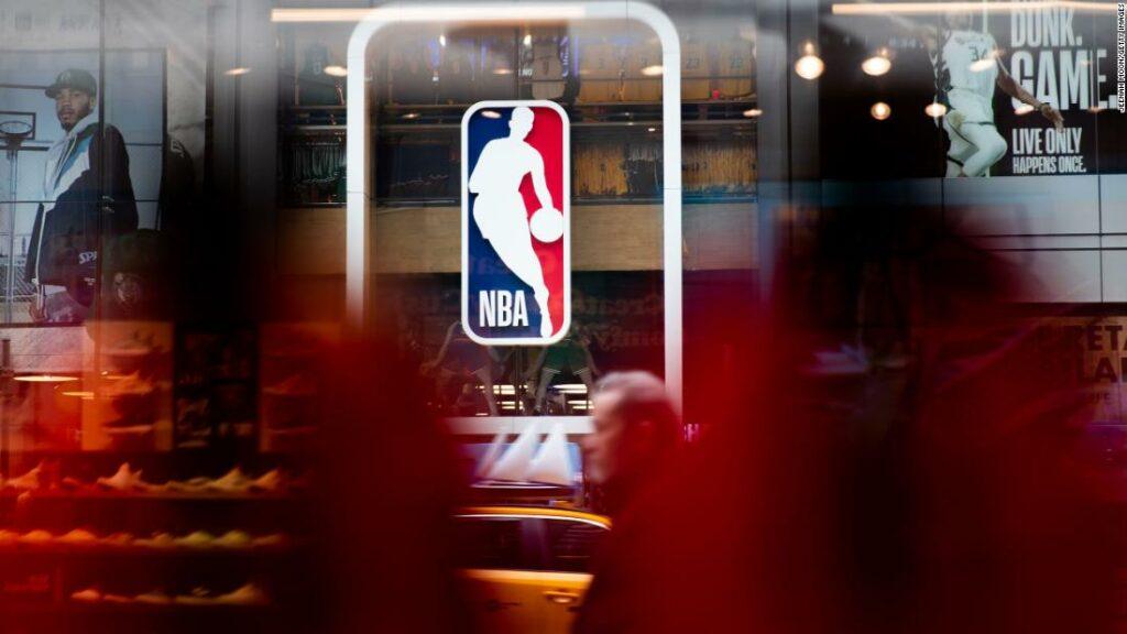 """Uniunea jucătorilor de la NBA și a jucătorilor vor picta """"Black Lives Matter"""" pe terenurile din Orlando la sfârșitul sezonului, spun surse"""