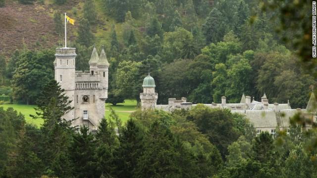 Balmoral, reședința scoțiană a reginei, este folosit ca toaletă publică