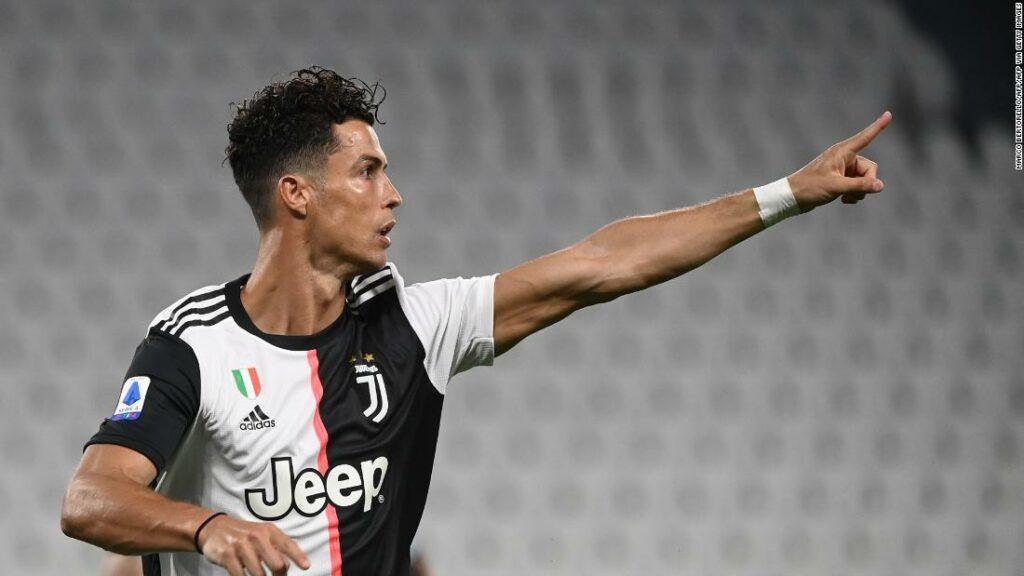 Cristiano Ronaldo marchează de două ori pentru a stabili un alt record pe măsură ce Juventus se apropie mai mult de titlul Serie A