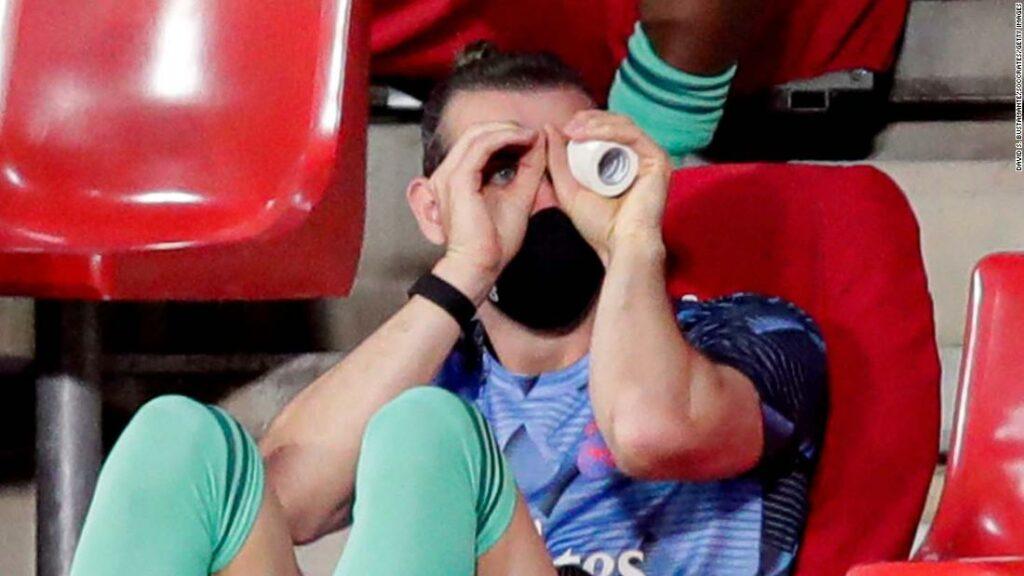Gareth Bale face titluri cu și mai mult antics pe banca înlocuitorilor