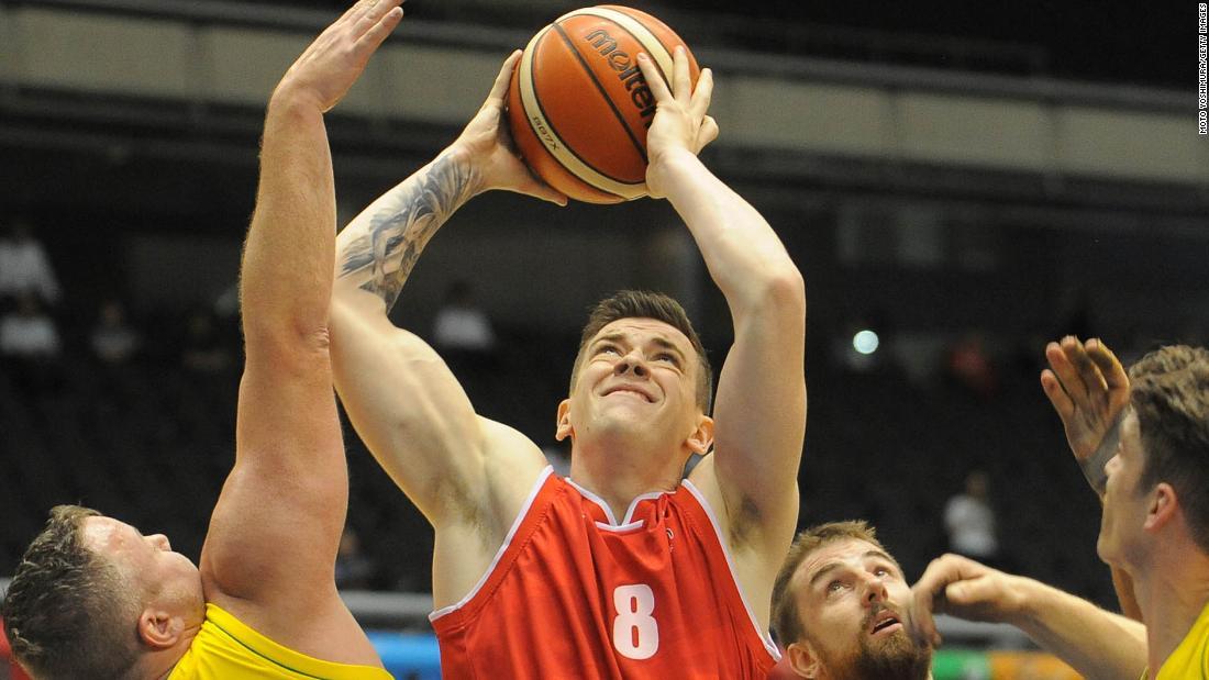 Jucătorul de baschet cu scaune cu rotile consideră amputarea picioarelor după schimbarea regulii