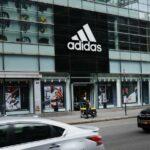 """Liderul Adidas, Karen Parkin, care a spus că discuțiile despre rasism sunt """" zgomot """", s-au retras"""