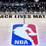 NBA reia: jucătorii de jazz și pelicani au luat un genunchi înainte de a lansa sezonul de redeschidere a ligii