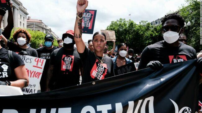 Natasha Cloud îndeamnă oamenii să lupte pentru schimbări sociale reale