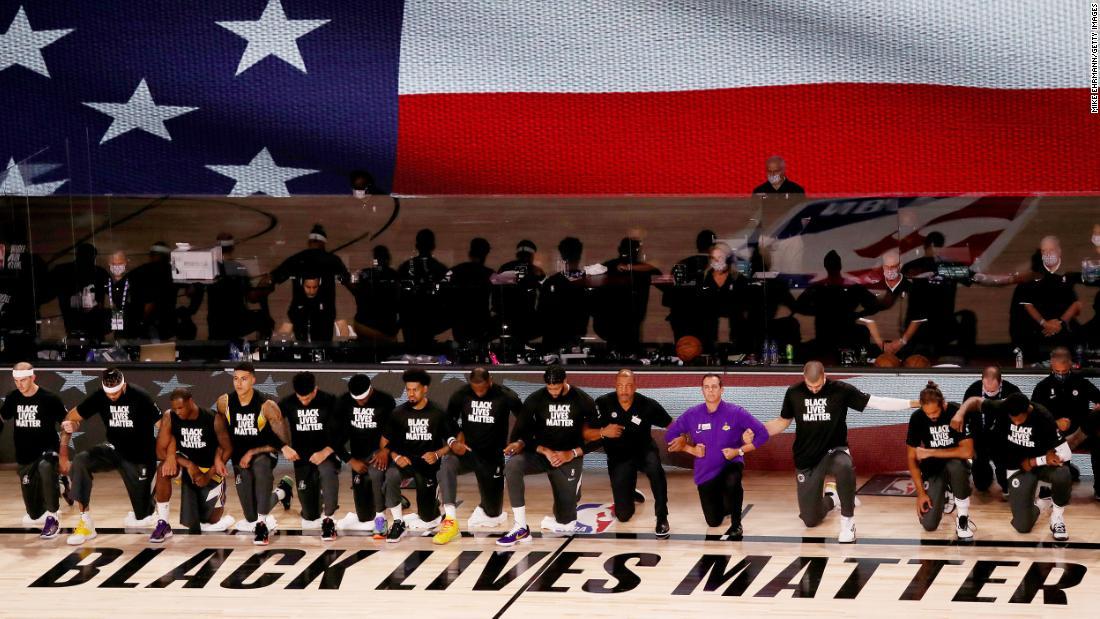 Sezonul NBA reîncepe cu o încuviințare la Black Lives Matter și 2 jocuri care s-au desfășurat de-a lungul timpului