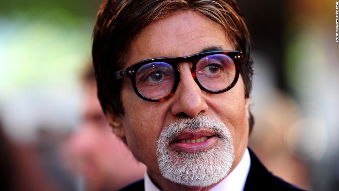 Amitabh Bachchan a fost externat după spital după recuperarea coronavirusului