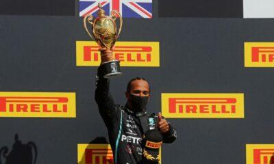"""Lewis Hamilton supraviețuiește """"inima gurii"""" pentru a câștiga Marele Premiu britanic"""