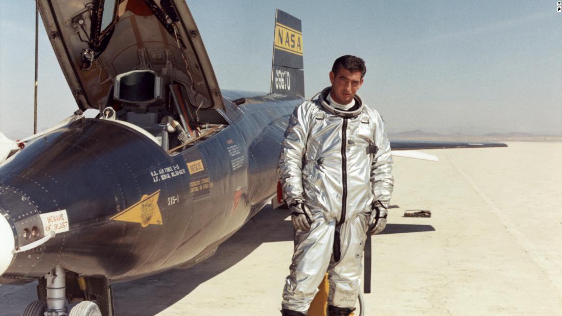 X-15: cel mai rapid avion de rachetă echipat vreodată